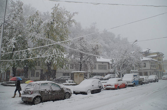Обилен снеговалеж в Габрово, 25 октомври 2014