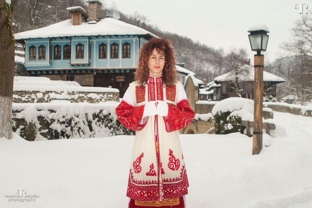 """Петя Николова, ЕМО """"Етър"""", Габрово © """"Аз съм Българка!"""" - фотограф Радослав Първанов"""