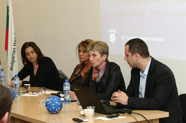 Министърът на младежта и спорта Даниела Дашева на посещение в Габрово © Община Габрово