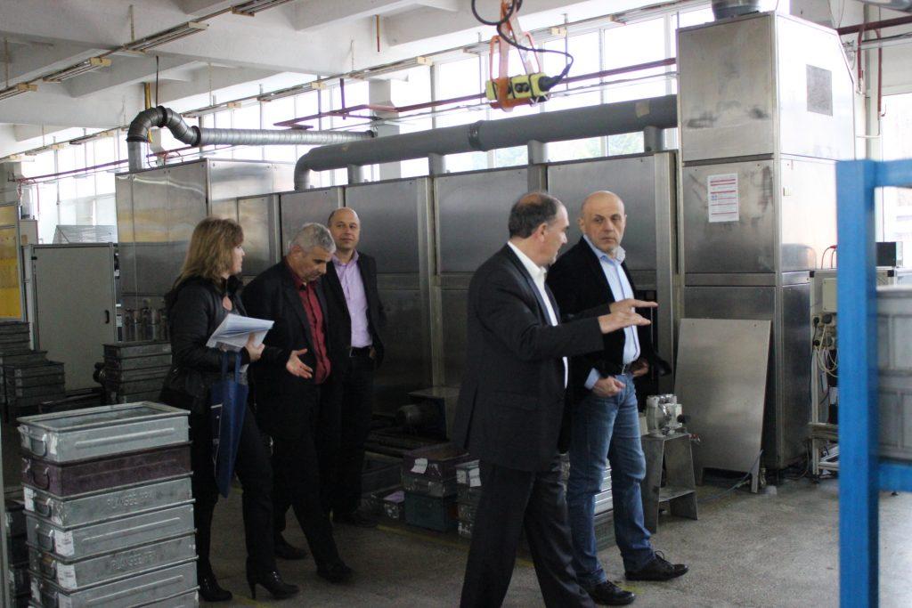 Томислав Дончев по време на среща с представителите на бизнеса в Габрово. Изображение: ПП ГЕРБ