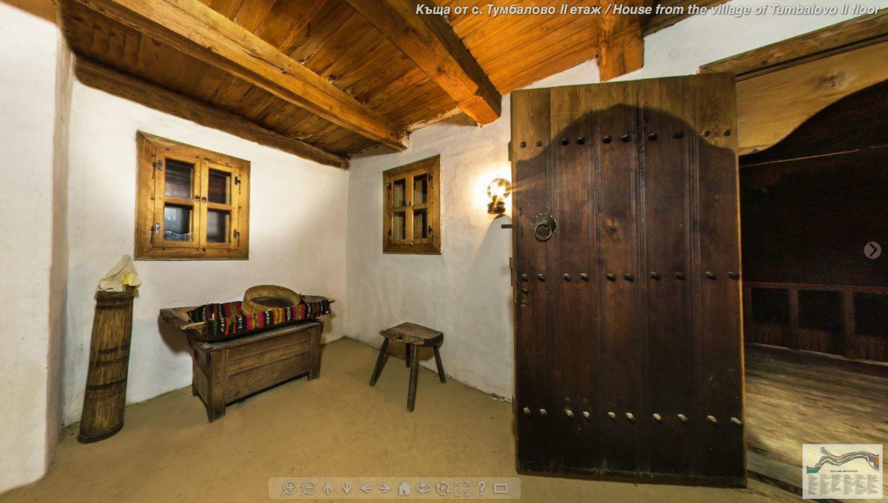 """Къща с работилница за музикални инструменти (село Тумбалово), II етаж © Етнографски музей на открито """"Етър"""""""
