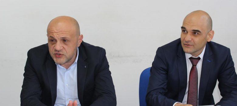 Томислав Дончев и Николай Сираков на пресконференция в Габрово