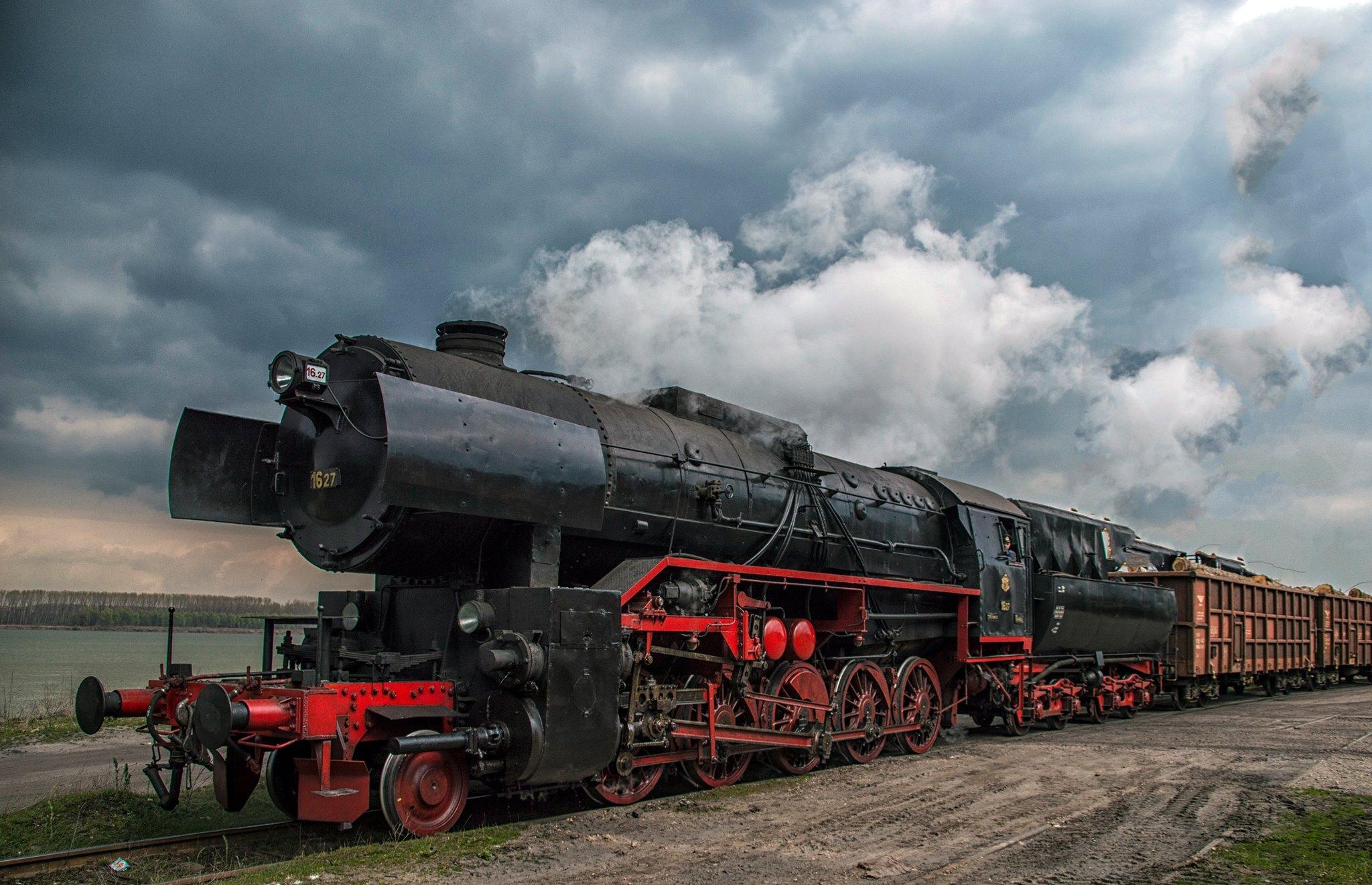 Парен локомотив на БДЖ