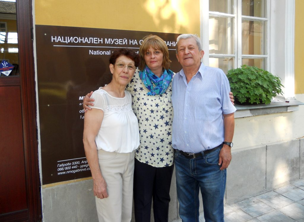 Семейство Чубрикови с директора на НМО Мая Карагьозова