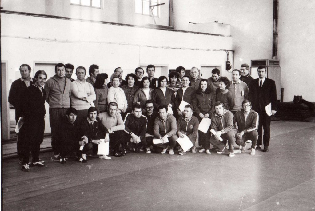 Борис Вангелов с учители по физическо възпитани като инспектор в Окръжен народен съвет – Габрово. На снимката Вангелов е най-вляво