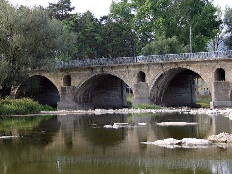 Мост на Кольо Фичето над река Росица в Севлиево