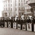 Ученици с портрети на народни будители, 1939 година