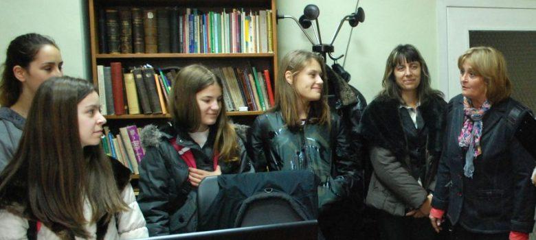 """Ученици от ПМГ """"Акад. Иван Гюзелев"""" в НМО за Седмица на кариерното ориентиране"""