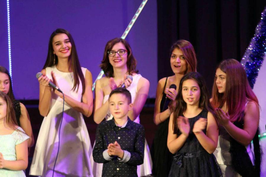 """Коледен благотворителен концерт на """"Upstream Voices"""""""
