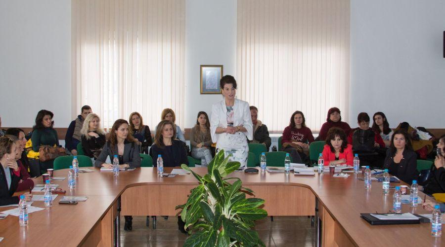 Зам.-министърът на труда и социалната политика Султанка Петрова в Габрово © Областна администрация Габрово