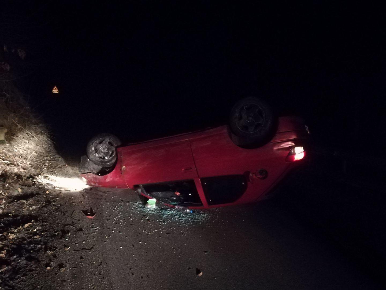 Автокрадец от Трявна катастрофира с крадена кола. Снимка: Ванко Марков