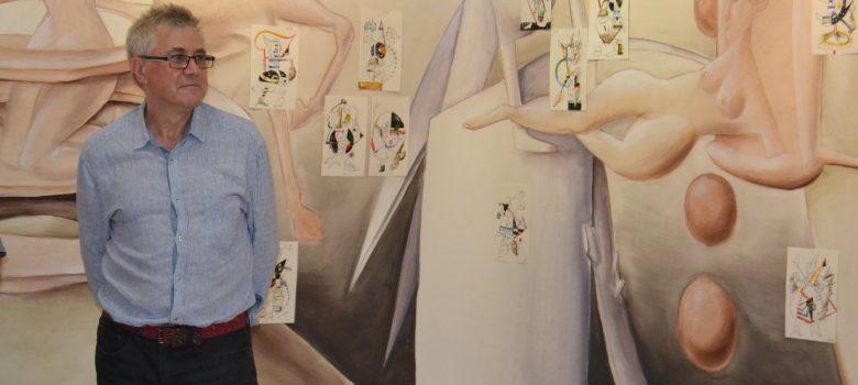 """Николай Панайотов при откриването на изложбата """"Сомнамбулизъм"""" в Градска художествена галерия """"Асен и Илия Пейкови"""" - Севлиево. Личен архив"""