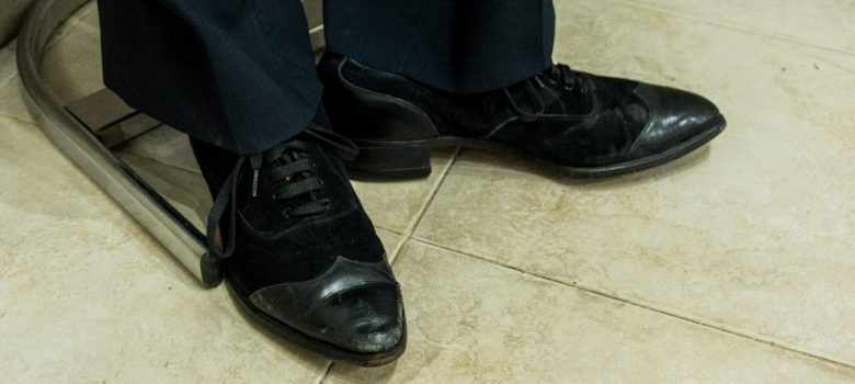 """Обувки на Цар Борис ІІІ, част от изложбата """"Там, където думите са излишни"""" на РИМ – Шумен, ЕМО """"Етър"""" и Исторически музей – Попово"""