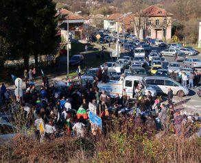"""Протест в Габрово срещу високите цени на горивата блокира пътя към Шипка, 11.11.2018. Снимка: Христо Аврамов, """"Нарушителите в Габрово"""""""