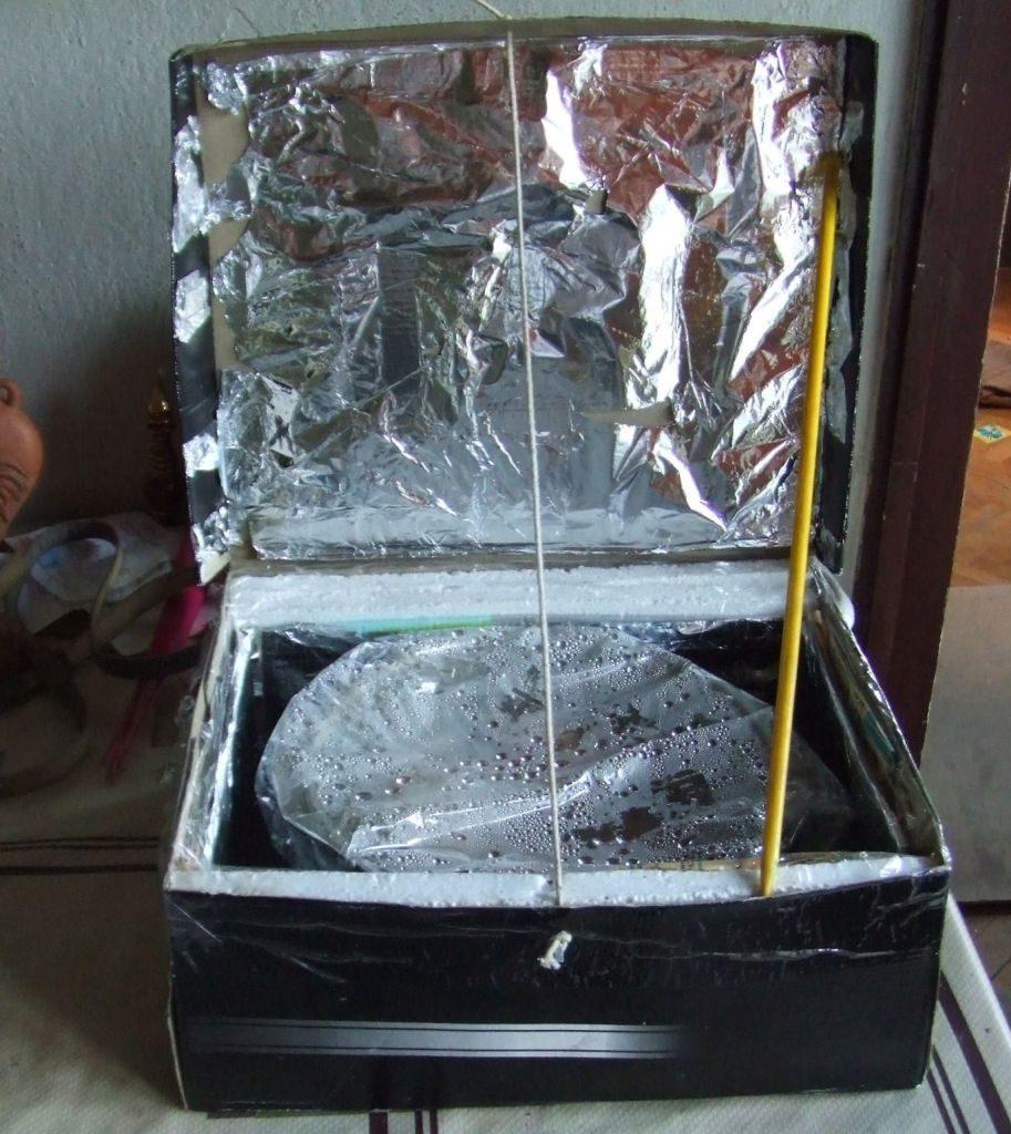Слънчева фурна, изобретена от Петър Тоцев. Снимка: Личен архив, Facebook