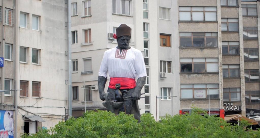 Паметникът на Рачо Ковача в Габрово © Габрово Daily