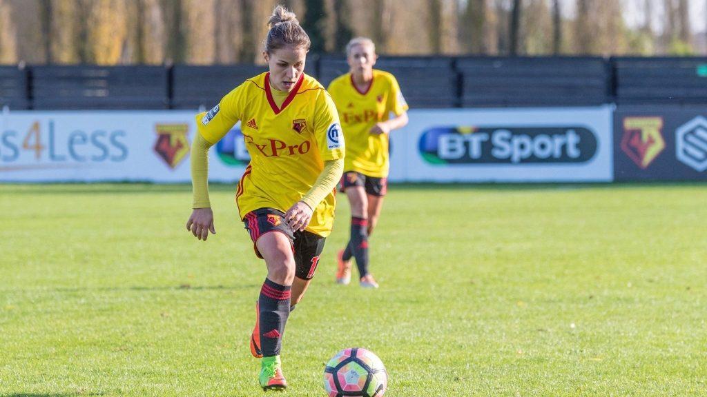 Футболистката от Габрово Симона Петкова