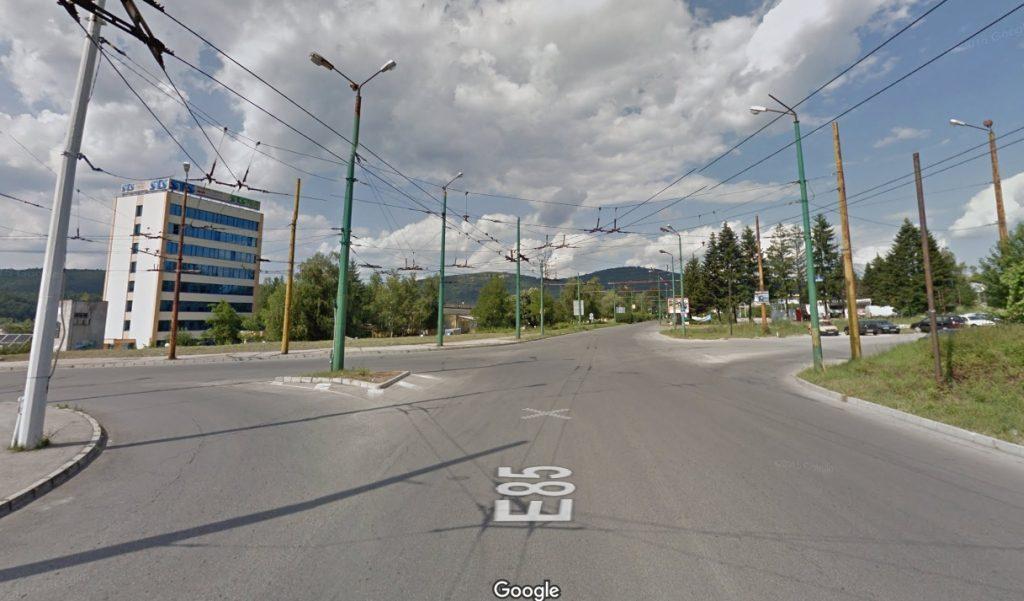 """Кръстовище на ул. """"Орловска"""" на изхода на Габрово в посока Велико Търново © Google Street View"""
