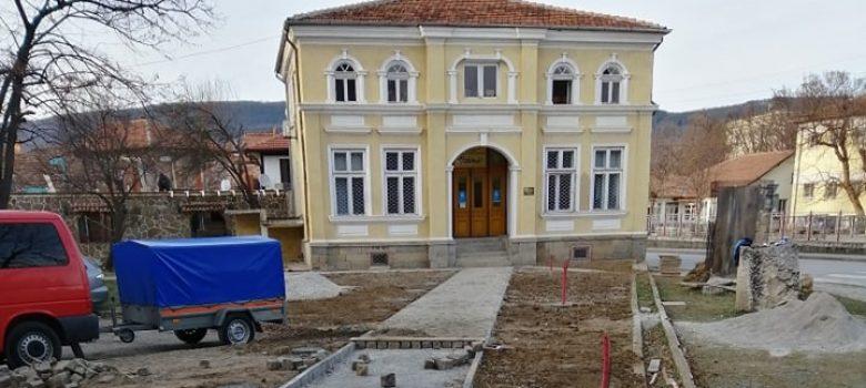 """Севлиево изгражда Алея на дарителите © в. """"Росица"""""""