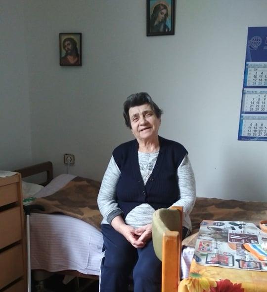 """Баба Станка в дома за стари хора. Снимка: """"Габровски майки даряват надежда"""""""