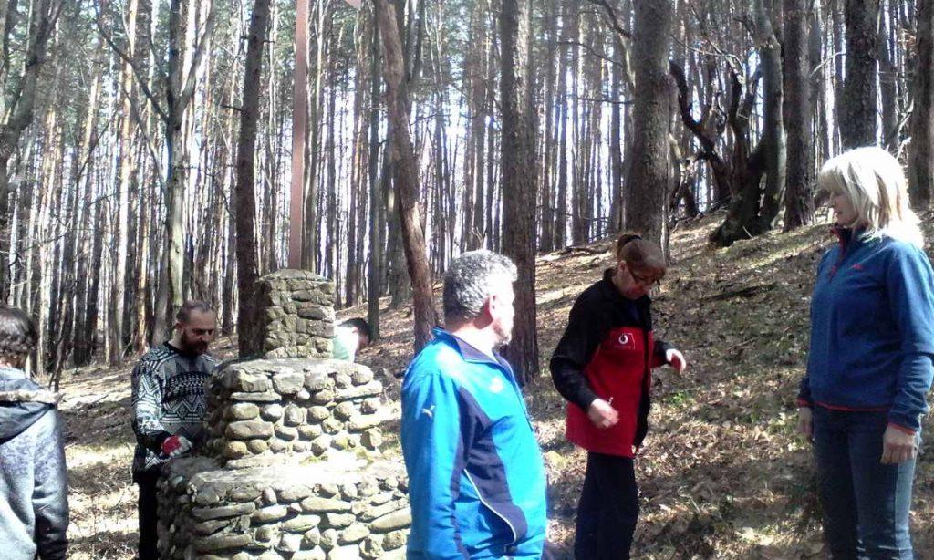 Габровци трасираха пътеката до лобното място на Тотю Иванов. Снимка: Тодорка Мирчева
