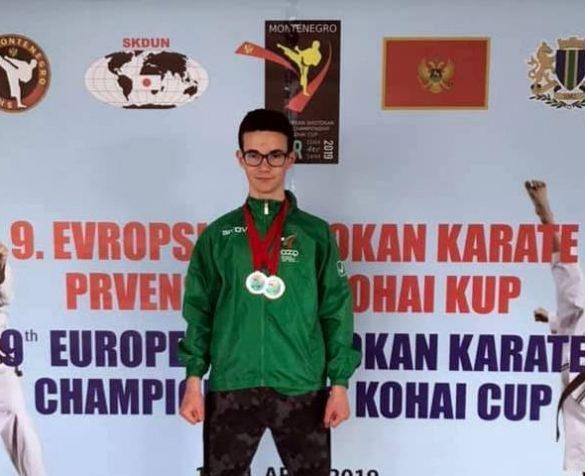 Иван Димитров с вицеевропейска титла в дисциплината ката на IX Европейско първенство по шотокан карате. Снимка: Личен архив